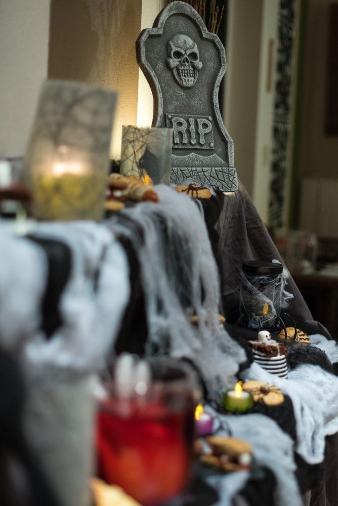 Fingerfood für Halloween gemacht beim Halloween Back-Workshop für Kinder von Sweets & Lifestyle®