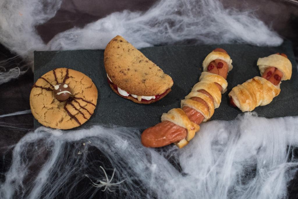 Halloween Fingerfood gemacht beim Halloween Back-Workshop für Kinder von Sweets & Lifestyle®