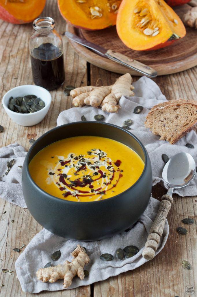 Herbstliche Kürbissuppe mit Ingwer nach einem Rezept von Sweets & Lifestyle®