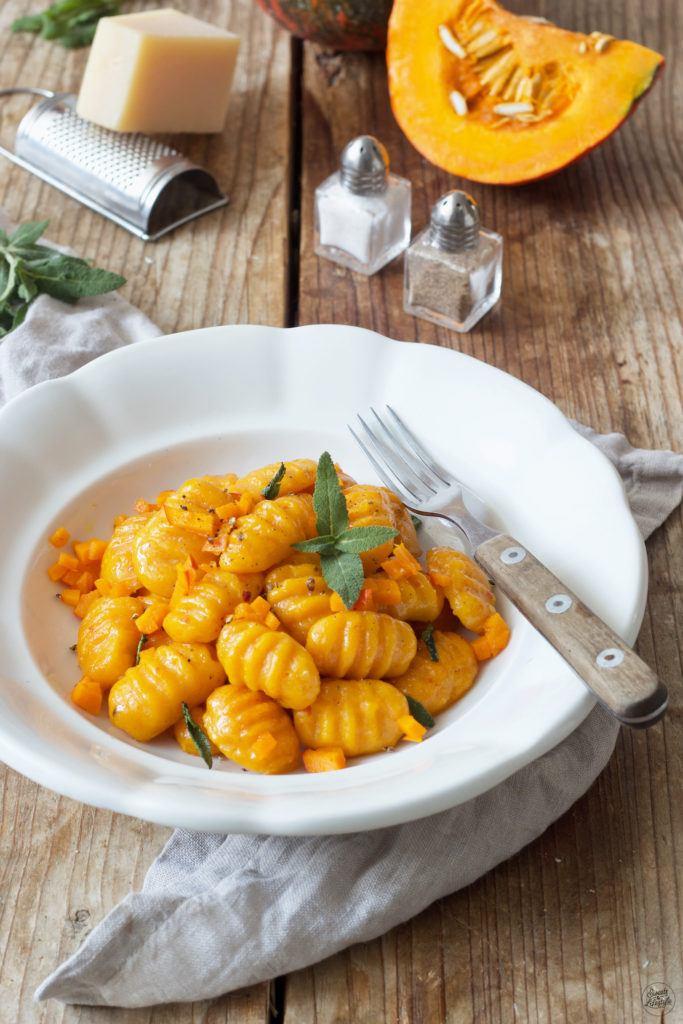 Kürbis Gnocchi mit Salbeibutter nach einem Rezept von Sweets & Lifestyle®