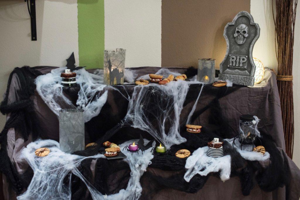 Leckere Snackideen fuer Halloween gemacht beim Halloween Back-Workshop für Kinder von Sweets & Lifestyle®