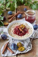 Porridge selber machen mit Milch und Zwetschkenröster wie Verena von Sweets & Lifestyle®