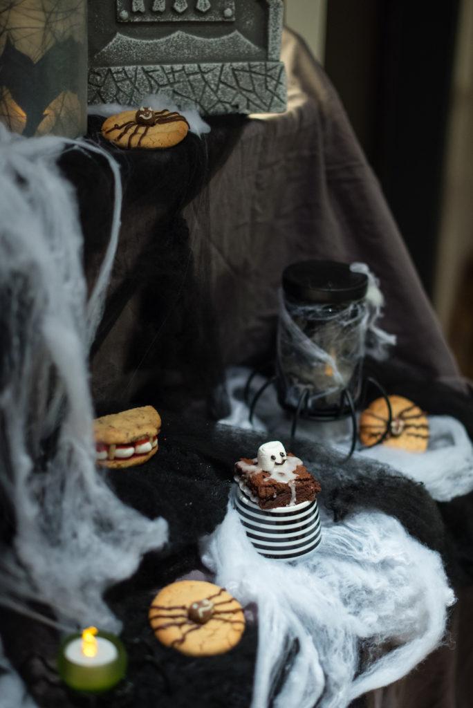 Süsses Fingerfood für Halloween gemacht beim Halloween Back-Workshop für Kinder von Sweets & Lifestyle®
