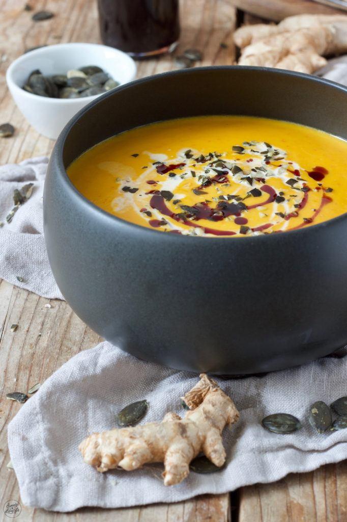 Wärmende Kürbissuppe mit Ingwer nach einem Rezept von Sweets & Lifestyle®