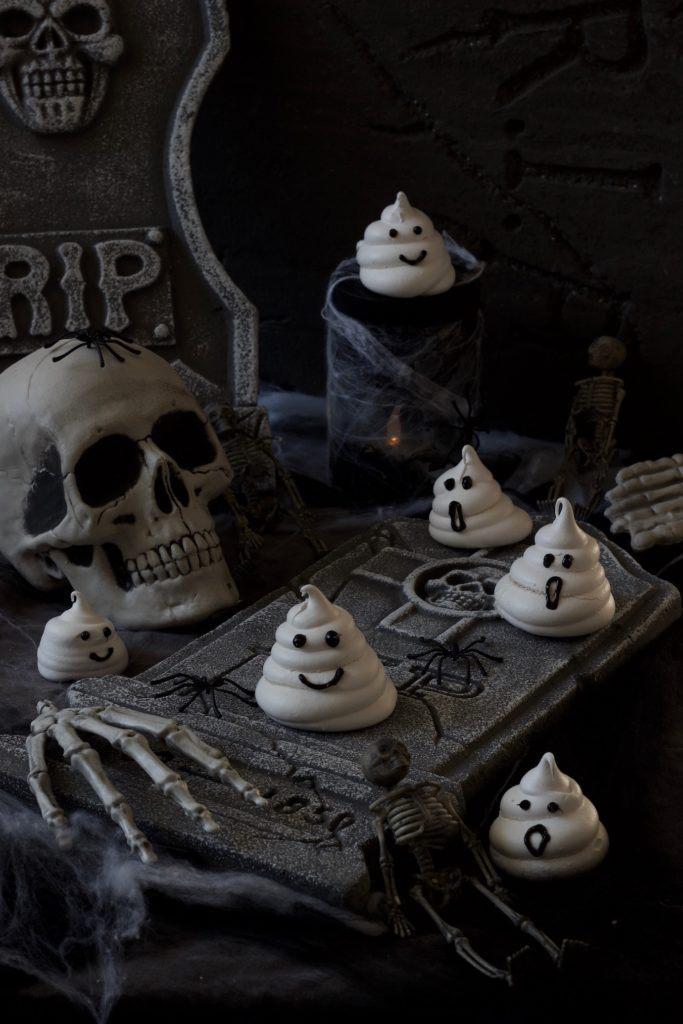 Baiser Gespenster für Halloween nach einem Rezept von Sweets & Lifestyle®