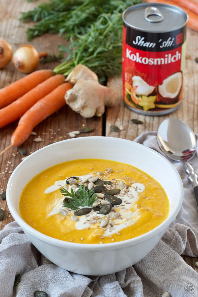 Leckere Karotten Ingwer Kokos Suppe mit Shan Shi Kokosmilch nach einem Rezept von Sweets & Lifestyle®