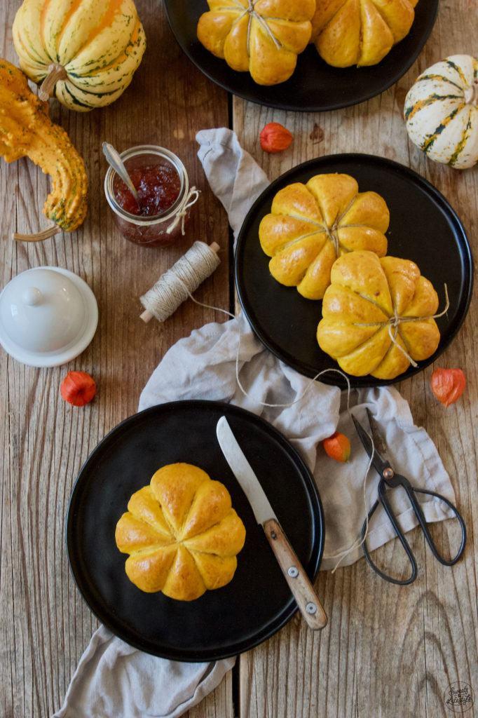 Weiche Kürbisweckerl nach einem Rezept von Sweets & Lifestyle®