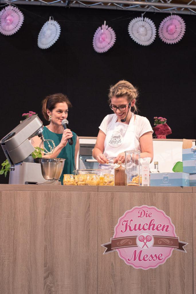 Verena Pelikan von Sweets & Lifestyle® auf der Showbühne der Kuchenmesse Wien