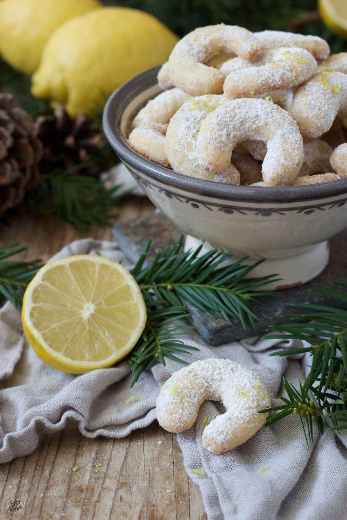 Fruchtige Vanillekipferl mit Zitronenabrieb nach einem Rezept von Sweets & Lifestyle®
