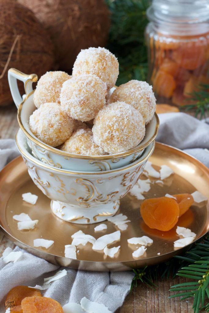 Kokos-Marillen-Konfekt nach einem Rezept von Sweets & Lifestyle®