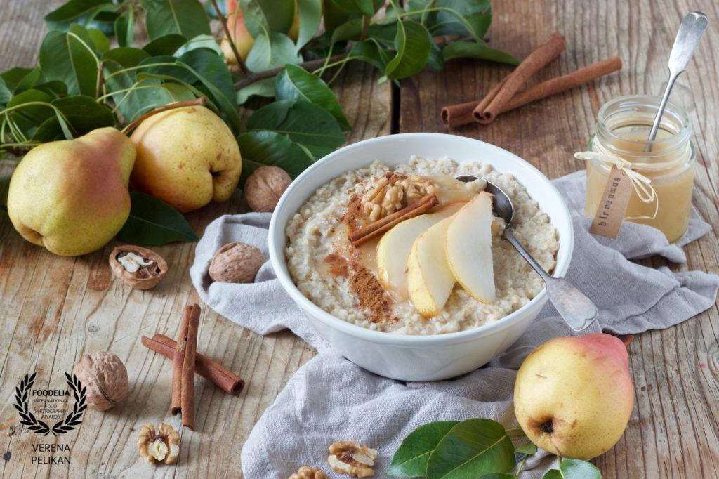 VERENA-PELIKAN-Sweets & Lifestyle®-austria-36collection-foodelia-cc_porridge with homemade pear sauce