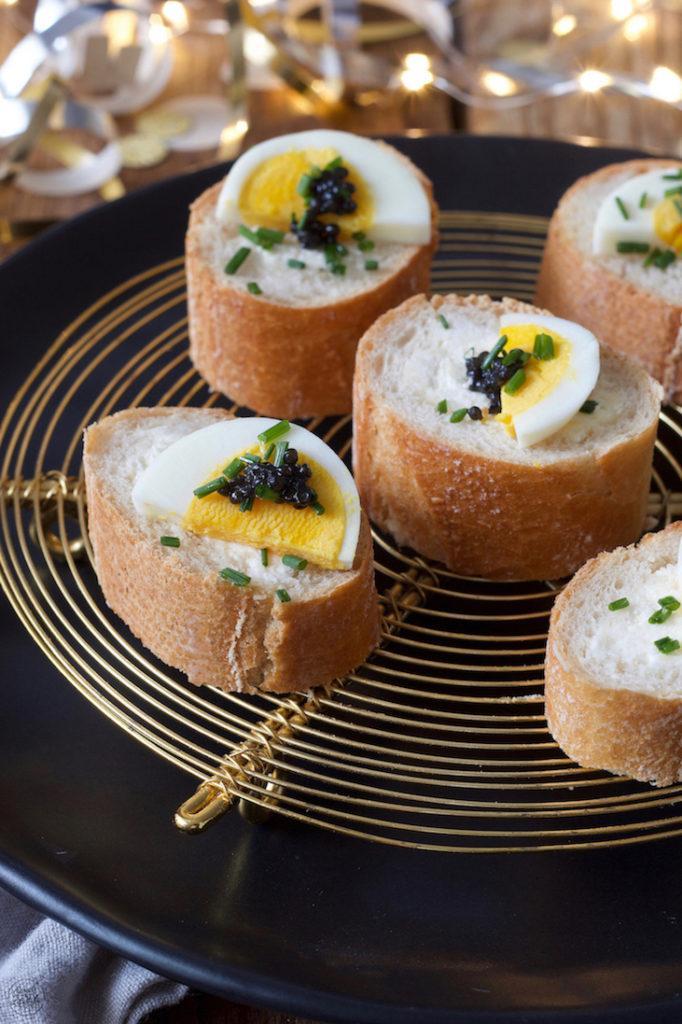 Gefülltes Baguette mit Ei und Kaviar nach einem Rezept von Sweets & Lifestyle®