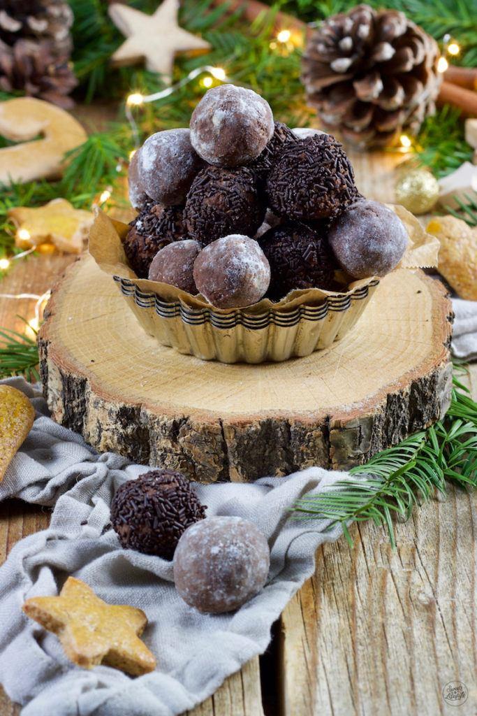 Selbst gemachte Lebkuchenkugeln als Geschenk aus der Küche von Sweets & Lifestyle®