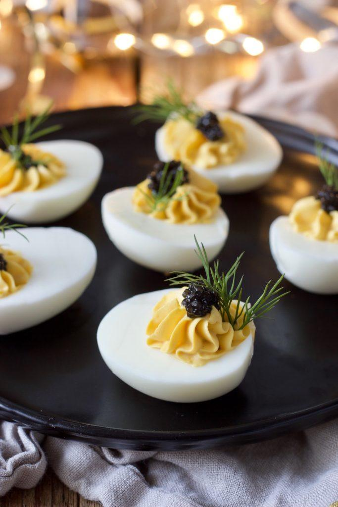 Russische Eier mit Kaviar nach einem Rezept von Sweets & Lifestyle®