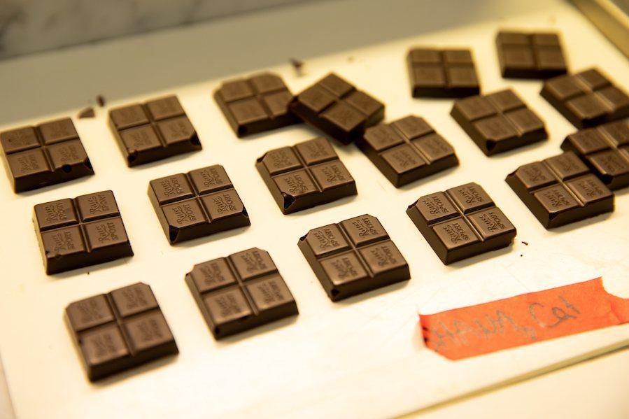 die fertige selbst gemachte Schokolade von Sweets & Lifestyle® in Ritter Sport Tafeln von