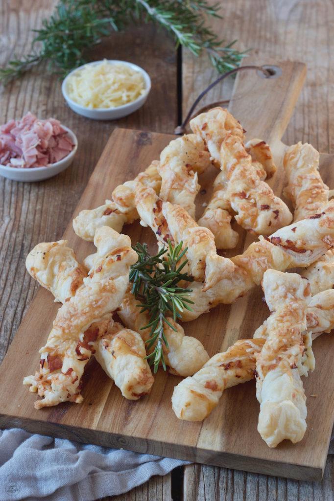 Leckere Schinken-Käse-Stangen mit Blätterteig nach einem Rezept von Sweets & Lifestyle®️️️