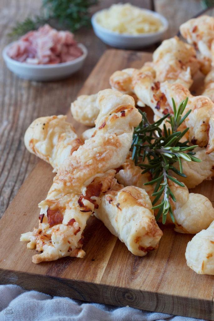 Schinken-Käse-Stangen aus Blätterteig nach einem Rezept von Sweets & Lifestyle®️️️