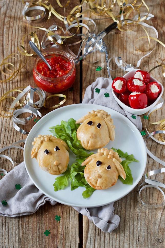 Leckere vegetarisch gefüllte Schäfchen als Fingerfood beim Kindergeburtstag nach einem Rezept von Sweets & Lifestyle®️