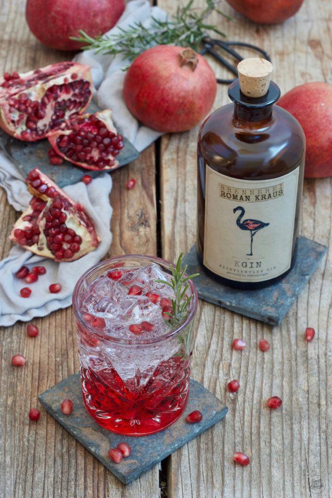 Gin Tonic mit selbst gemachtem Granatapfelsirup nach einem Rezept von Sweets & Lifestyle®