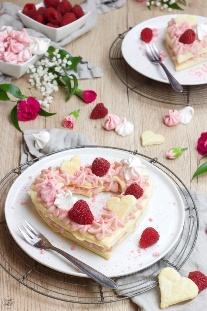 Herz Mille Feuille mit Himbeercreme für den Valentinstag und Muttertag nach einem Rezept von Sweets & Lifestyle®