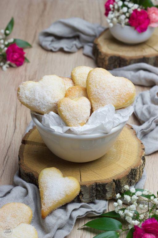 Leckere Herzen aus Topfen-Öl-Teig nach einem Rezept von Sweets & Lifestyle®
