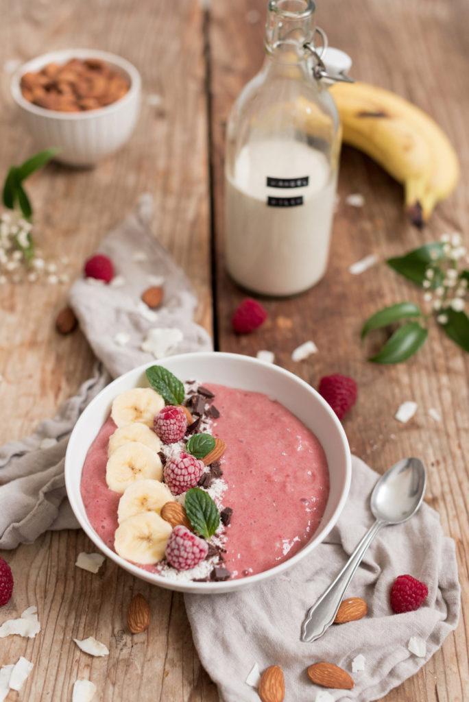 Leckeres Himbeer Smoothie Bowl Rezept von Sweets & Lifestyle®