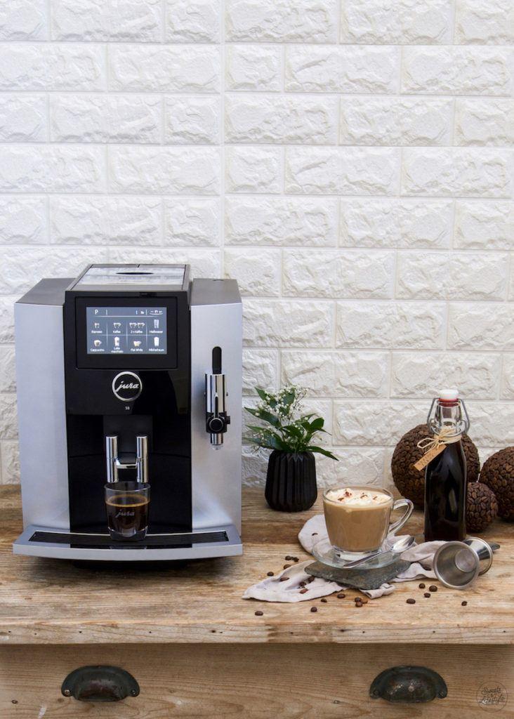 Hot White Russian mit Kaffee aus dem Jura Kaffeevollautomat S8 nach einem Rezept von Sweets & Lifestyle®