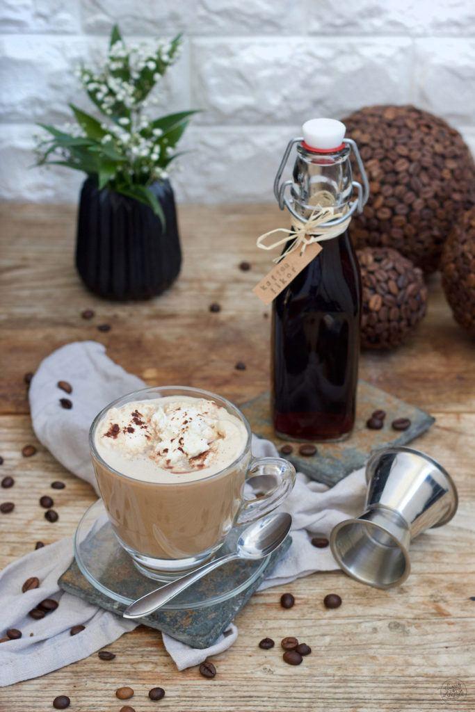 Hot White Russian mit selbst gemachtem Kaffeelikör zubereitet nach einem Rezept von Sweets & Lifestyle®