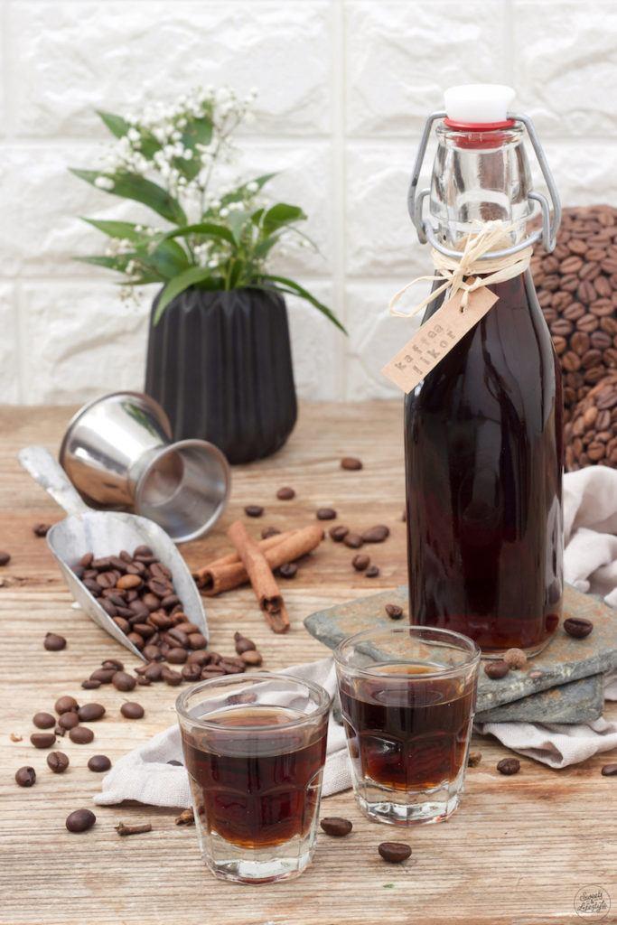 Leckeres Kaffeelikör Rezept von Sweets & Lifestyle®