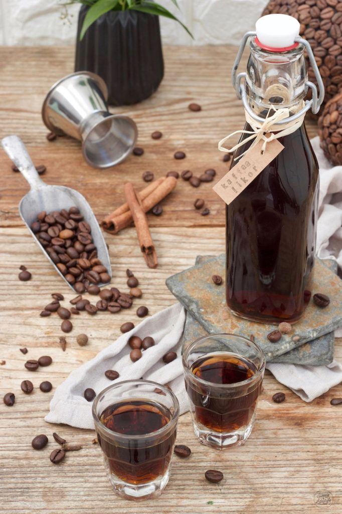 Kaffeelikör Rezept mit Rum von Sweets & Lifestyle®