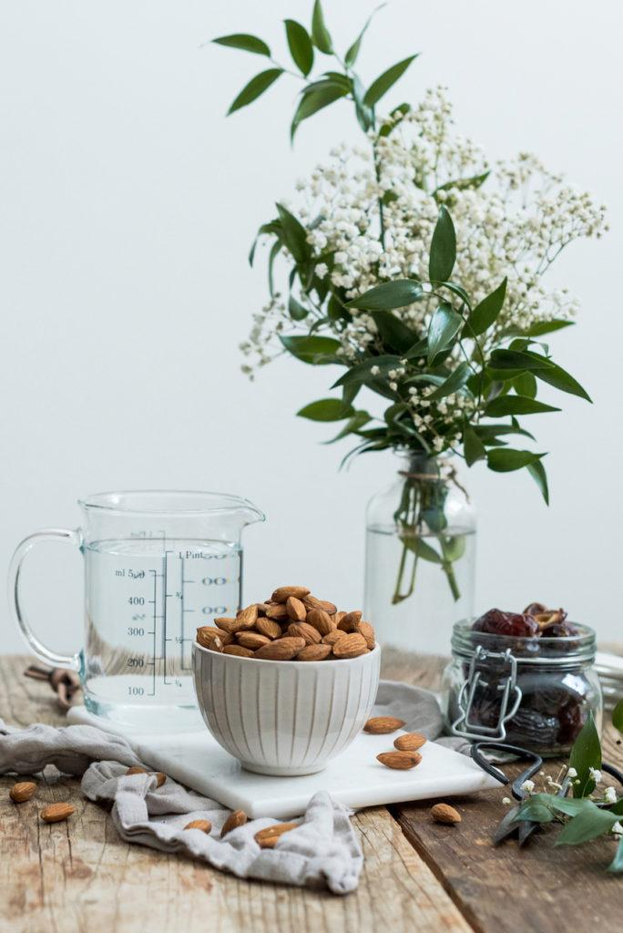 ungesüßte Mandelmilch einfach selber machen nach dem Rezept von Sweets & Lifestyle®