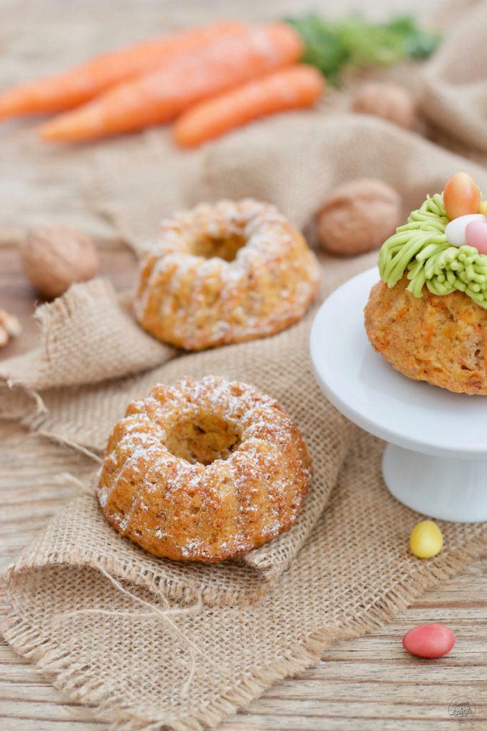 Saftiger veganer Karotten-Mini-Gugelhupf nach einem einfachen Rezept von Sweets & Lifestyle®