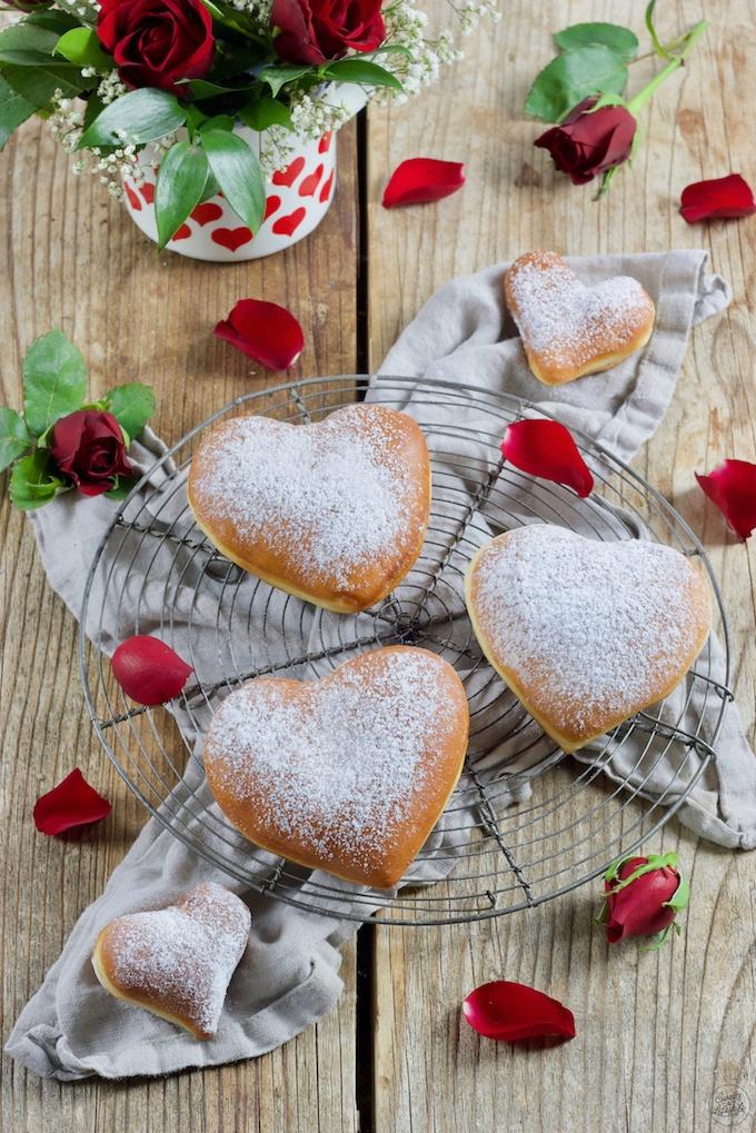 Valentinstags Krapfen nach einem Rezept von Sweets & Lifestyle®
