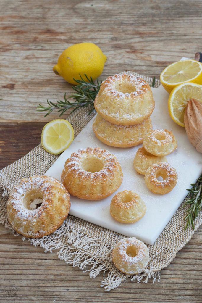 Leckeres Zitronen Minigugelhupf Rezept von Sweets & Lifestyle®