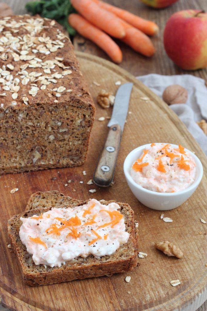 Leckeres Dinkel-Karottenbrot mit Nüssen nach einem Rezept von Sweets & Lifestyle®