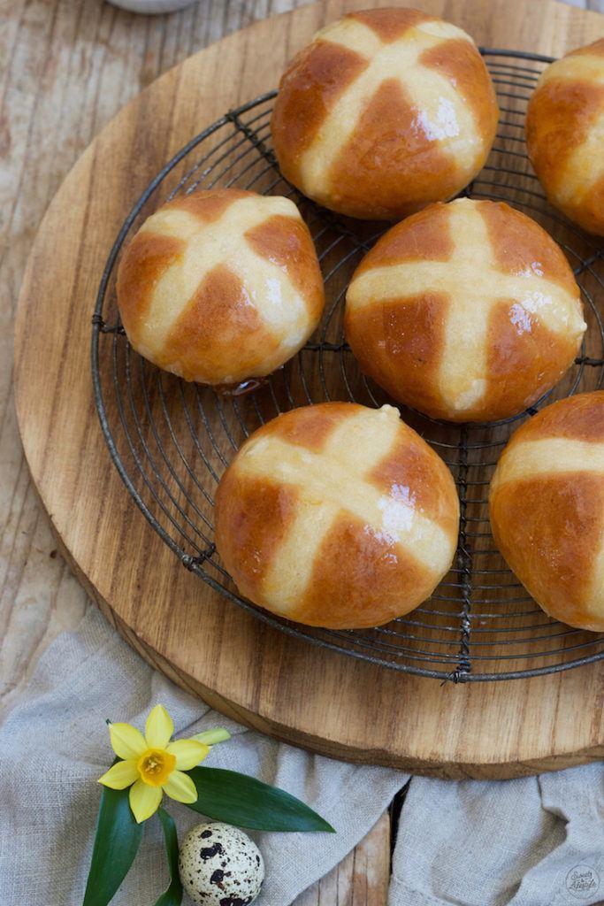 Hot Cross Buns nach einem Rezept von Sweets & Lifestyle®