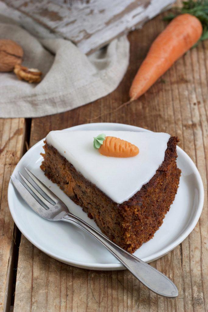 Saftiger Karottenkuchen ohne Mehl nach einem Rezept von Sweets & Lifestyle®
