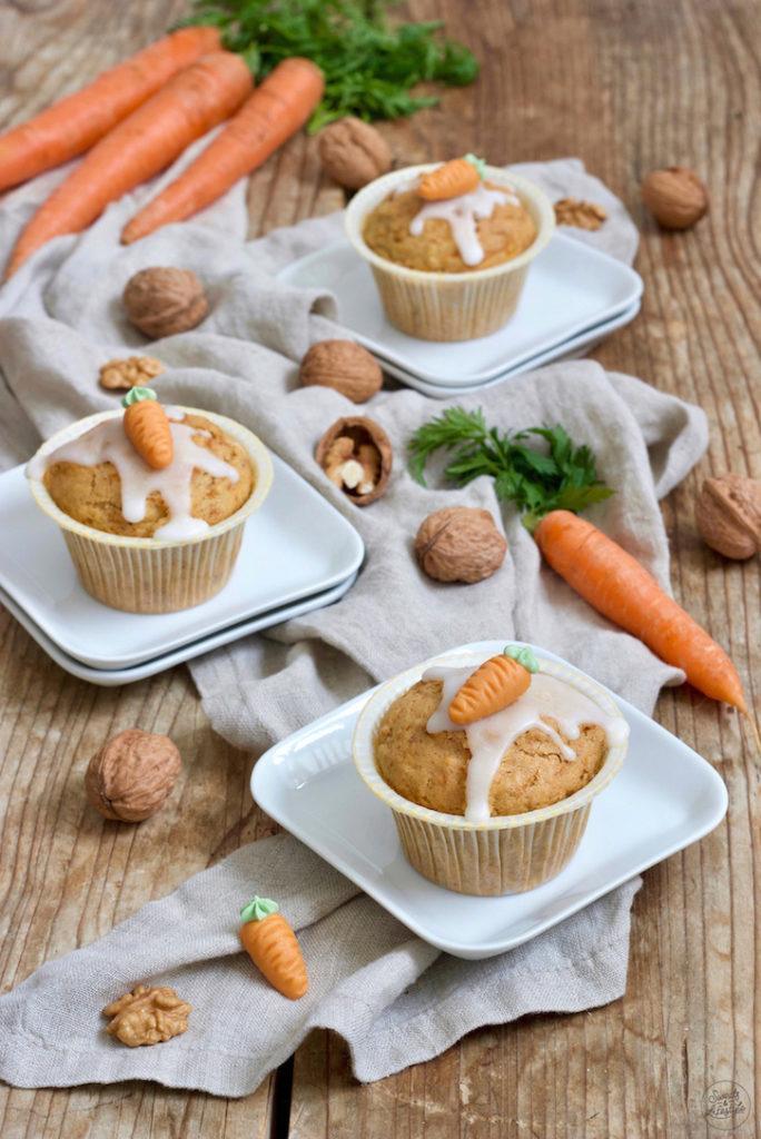 Einfaches Karottenmuffins Rezept mit Nüssen von Sweets & Lifestyle®