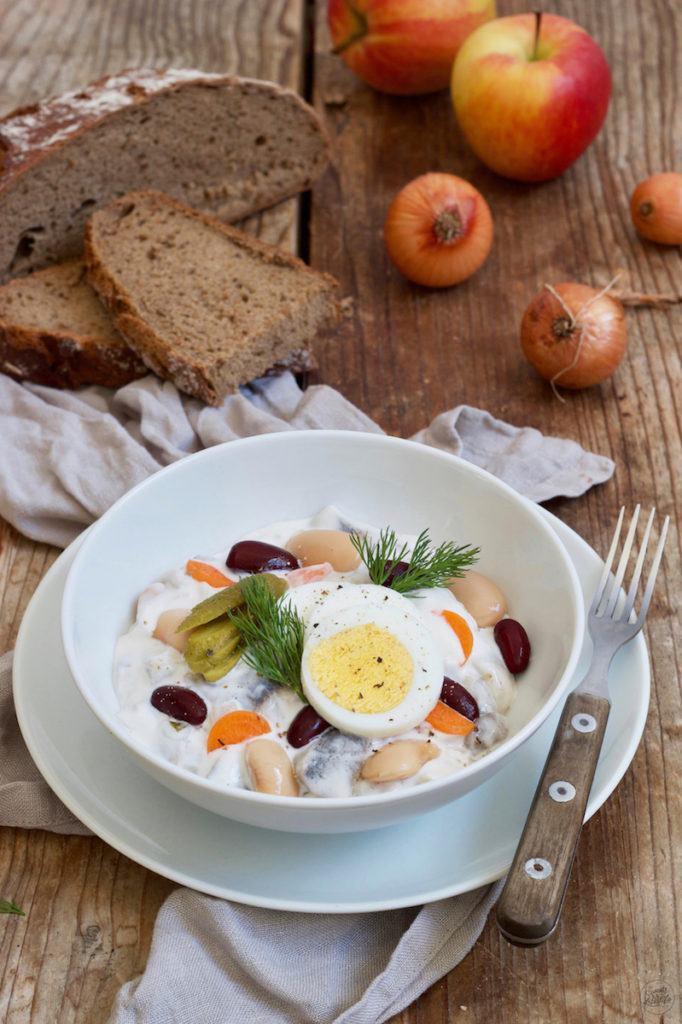 Klassischer Heringssalat mit Bohnen und Apfel nach einem Rezept von Sweets & Lifestyle®