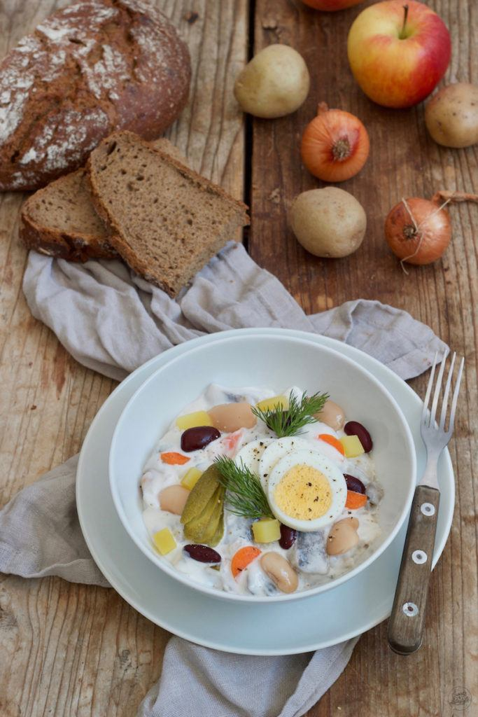 Klassischer Heringssalat mit Bohnen, Erdäpfel und Äpfel nach einem Rezept vonSweets & Lifestyle®
