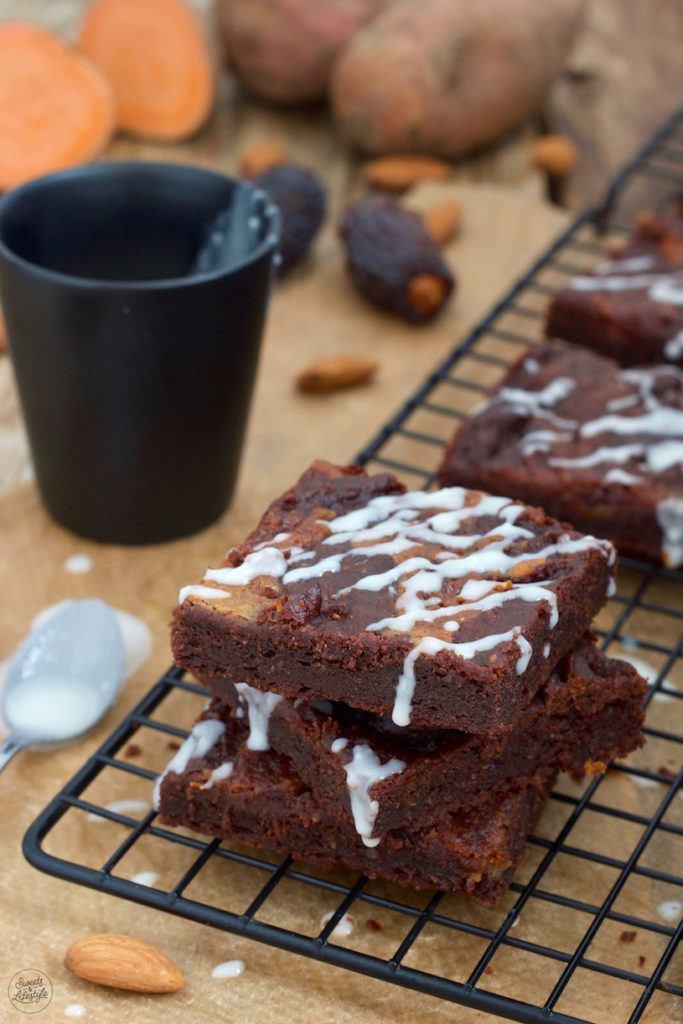 Saftige zuckerfreie Süßkartoffel Brownies nach einem Rezept von Sweets & Lifestyle®