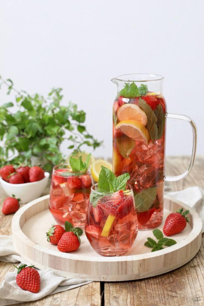 Erdbeerbowle mit Minze nach einem Rezept von Sweets & Lifestyle®