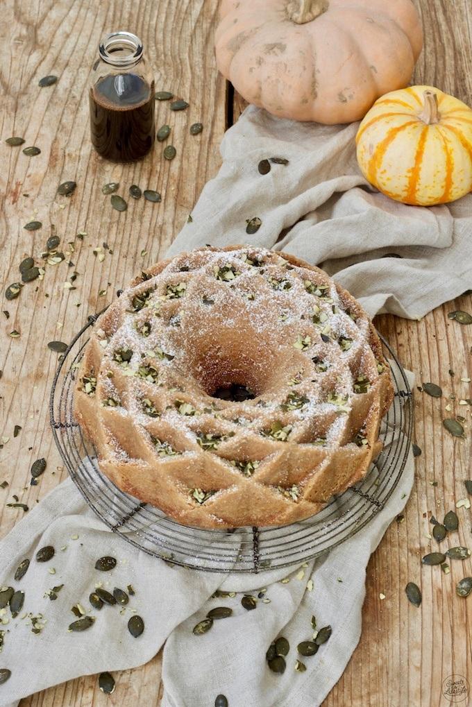 Kürbiskerngugelhupf mit Kernöl nach einem Rezept von Sweets & Lifestyle®