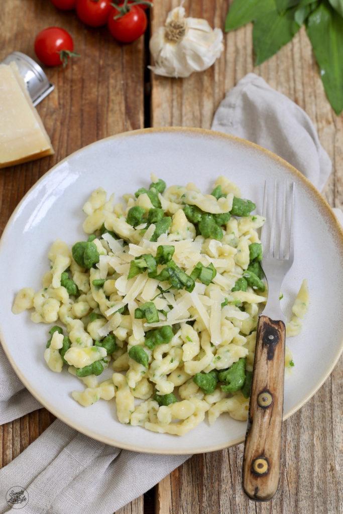 Bärlauchspätzle mit Pesto nach einem Rezept von Sweets & Lifestyle®