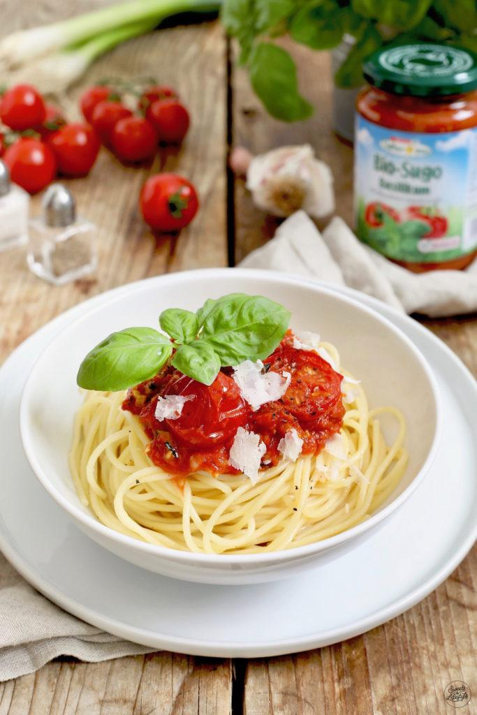 Schnelle Pasta mit Spar Natur*pur Bio-Sugo Basilikum nach einem Rezept von Sweets & Lifestyle®