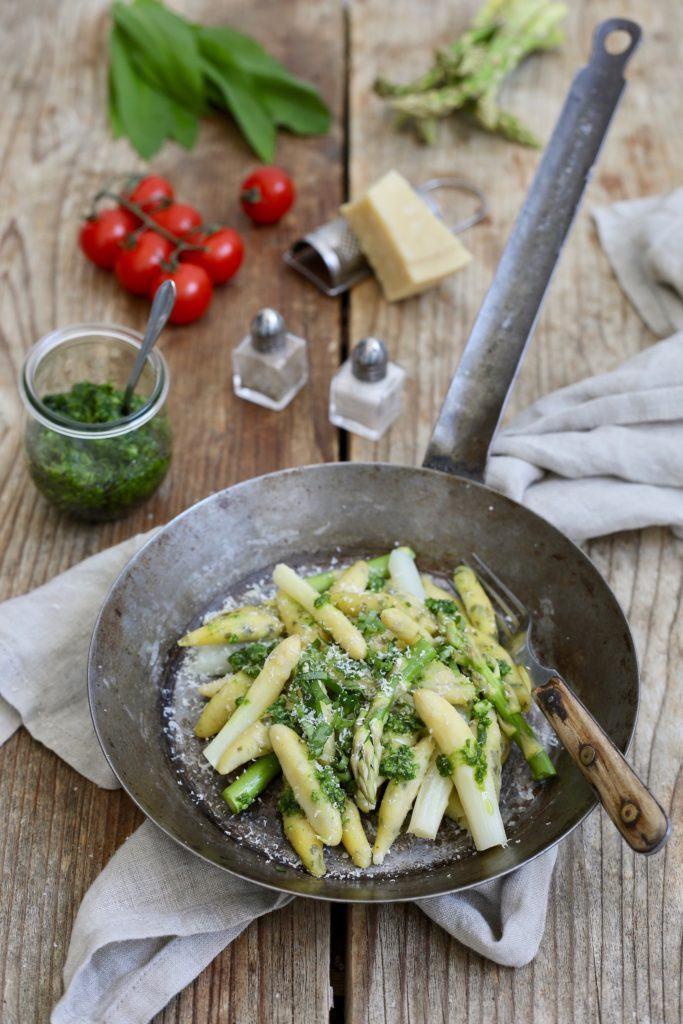 Schupfnudeln mit Bärlauchpesto und Spargel als vegetarisches Frühlingsgericht von Sweets & Lifestyle®