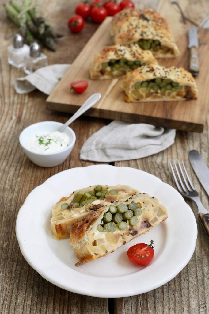 Vegetarische Spargelstrudel mit Käse nach einem Rezept von Sweets & Lifestyle®