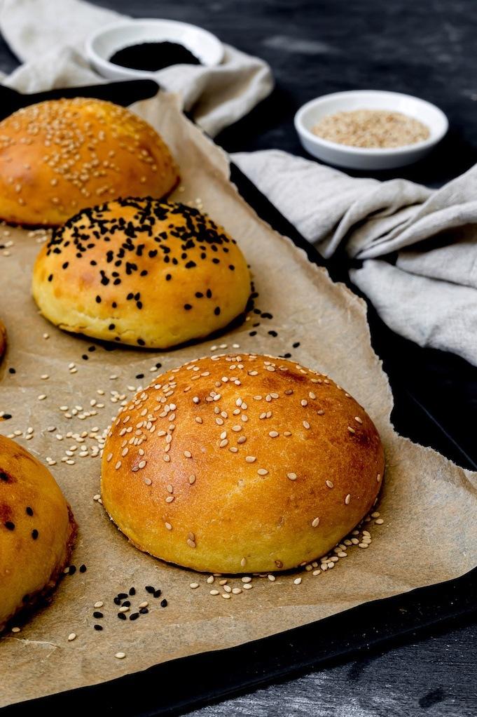 Leckere Brioche Burger Buns selber machen ist ganz einfach mit dem Rezept von Sweets & Lifestyle®
