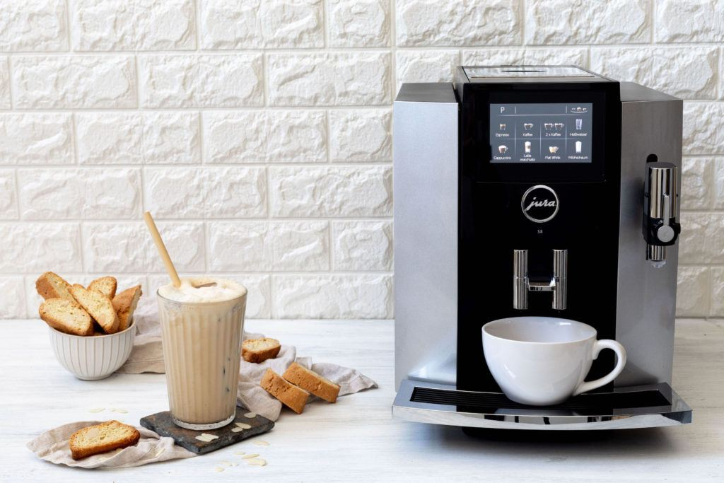 Eiskaffee mal anders in Form eines Iced Cantuccini Coffee von Sweets & Lifestyle®