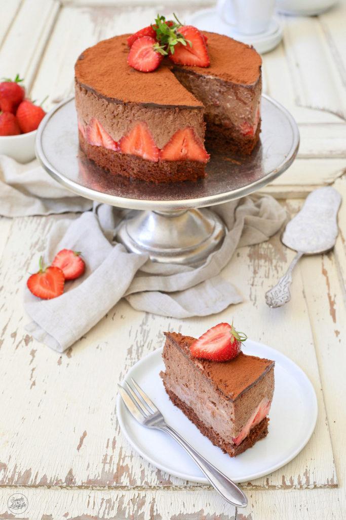 Leckere Erdbeer-Schokomousse-Torte nach einem Rezept von Sweets & Lifestyle®